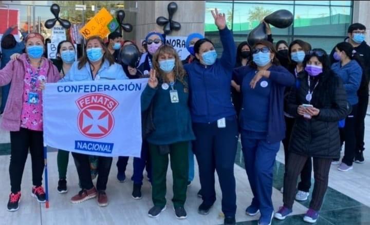 Funcionarios se toman hospital de Calama